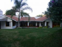 Residencia en Fraccionamiento Huertas del Llano, Jiutepec.