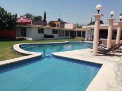 Casa en Pedregal de las Fuentes, Jiutepec.