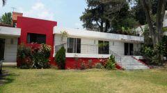 Casa en Jardines de Ahuatepec, Cuernavaca.