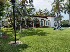 Casa en Fraccionamiento y Club de Golf Santa Fe, Xochitepec.