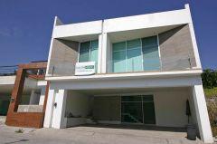 Residential en Burgos Corinto, Temixco.